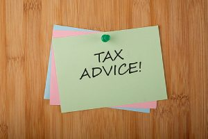 Tax Advice written on green paper note.The responsibilities of a CPA can vary
